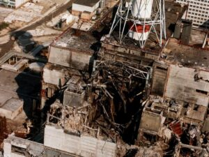 Разрушенный ядерный реактор